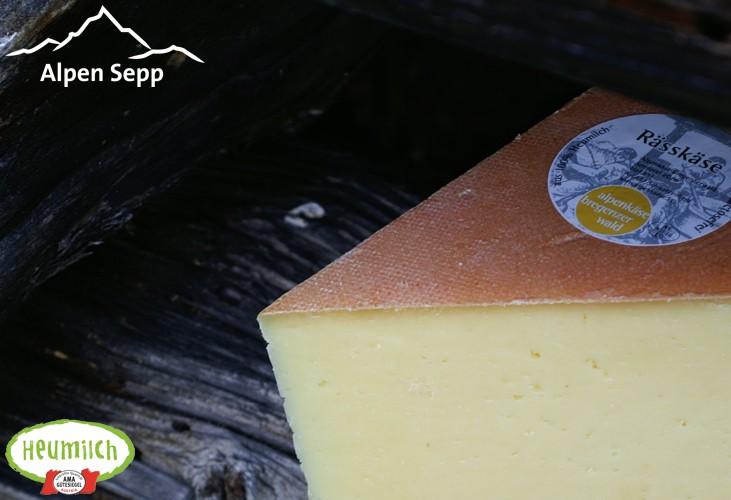 Bregenzerwälder Räßkäse Holzhütte