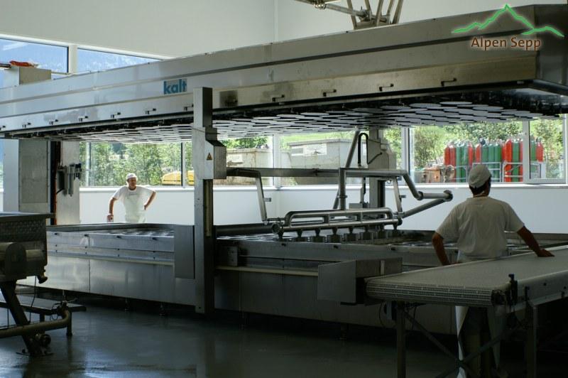 Abfüllmaschine mit Käseformen
