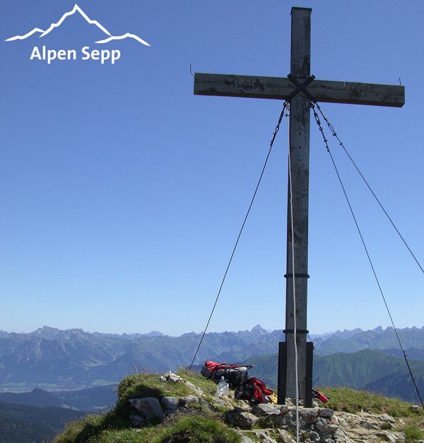 Wanderbox für Alpenwanderungen zum Gipfelkreuz